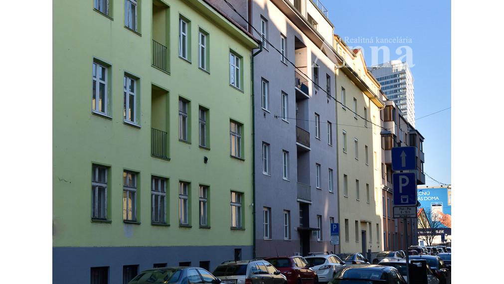 2-izb. byt v centre - ul. 29. augusta (neplatíte províziu!!)